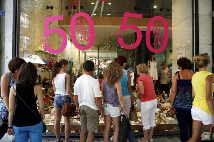 861d2e8f5af1 Θερινές εκπτώσεις  Πότε ξεκινούν και τι πρέπει να ξέρουν οι καταναλωτές