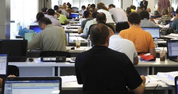 το υπουργείο Εργασίας μεθοδεύει την όσο γίνεται πιο αργά και πιο μικρή αύξηση του κατώτατου μισθού