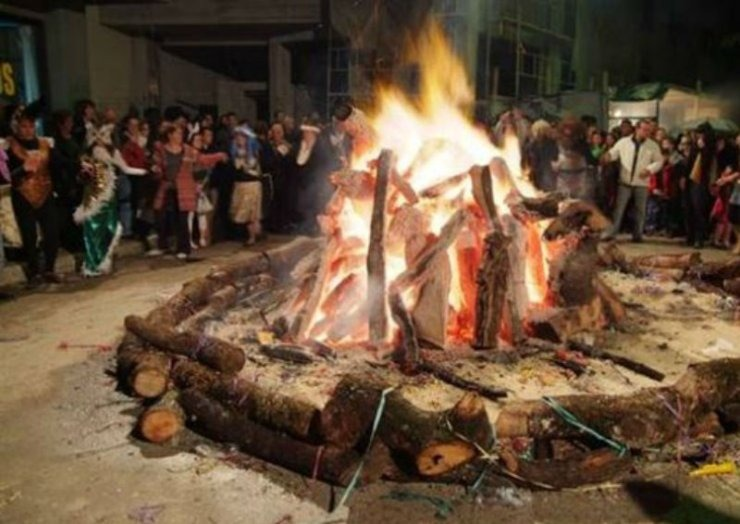 2cdc73455ca4 Ιωάννινα  Το έθιμο της Τζαμάλας και οι εβδομήντα φωτιές