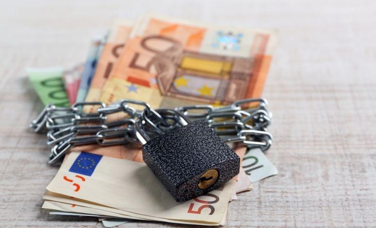 Για καταθέσεις 60.879,25 ευρώ θα πληρώσει 30.970,28 ευρώ
