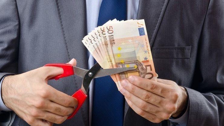Αποτέλεσμα εικόνας για Η εφορία διαγράφει χρέη δεκάδων δισ. ευρώ