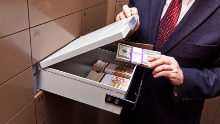10ετή κάθειρξη και σε πρόστιμα έως 1,5 εκατ. ευρώ για το ξέπλυμα χρήματος