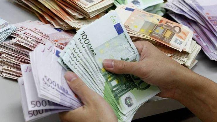 Ο Έλληνας αγαπάει τα μετρητά, λόγω εφορίας!