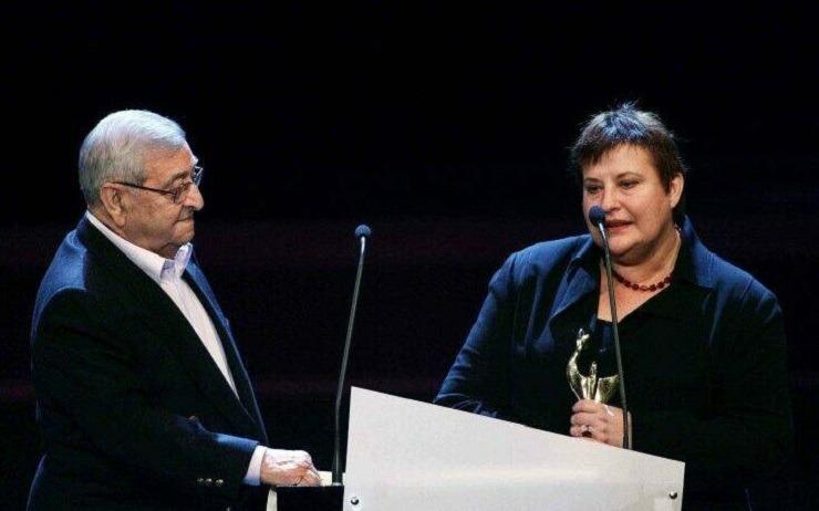 Έφυγε από τη ζωή η σκηνογράφος και ενδυματολόγος Ιουλία Σταυρίδου    Sofokleousin