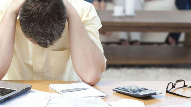 Με απώλεια και της επιδότησης ενοικίου και μάλιστα αναδρομικά κινδυνεύουν όσοι χρωστάνε σε τράπεζες