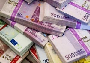 Χαλάρωση των κατασχέσεων της εφορίας ζητούν οι τραπεζίτες