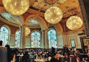 το καφέ του Μουσείου Victoria and Albert
