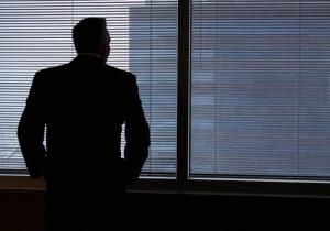 Το κυνηγητό του ΚΕΑΟ, εναντίον των προσώπων που ήταν στελέχη των εταιρειών