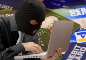 Μαζική εισβολή χάκερ στις κάρτες πληρωμών και στο web-banking