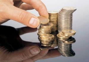 Ελαστικοποίηση των κριτηρίων για το επίδομα των 800 €