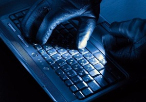 Πανδημία οι ηλεκτρονικές απάτες από χάκερ που αρπάζουν τραπεζικές καταθέσεις
